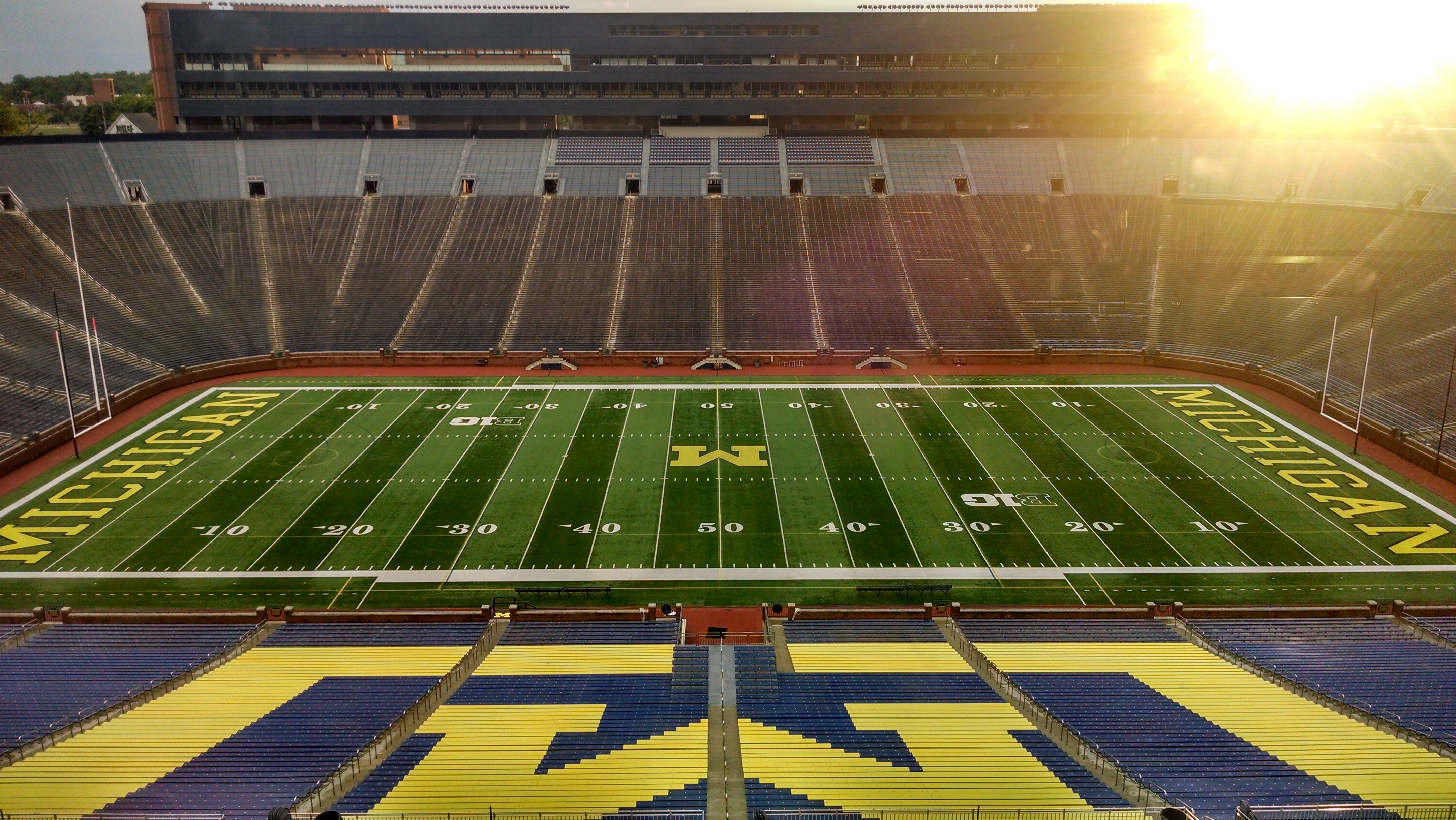 ITS helps improve cell coverage at the Big House ...